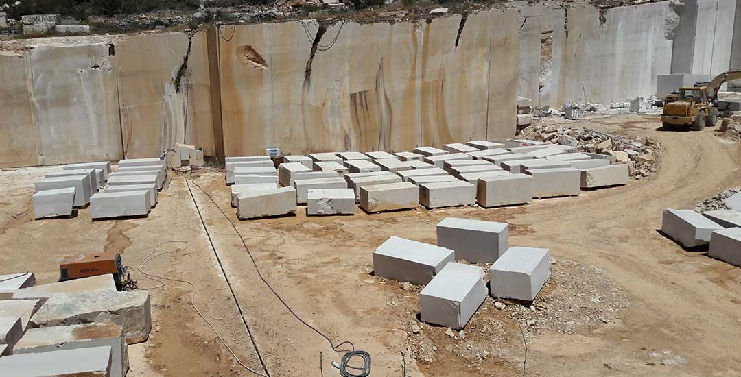 Quarries - quarry AVORIO