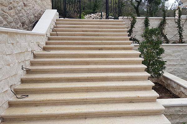Kamen za stepeništa